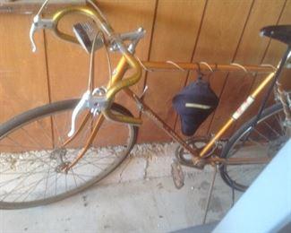 Schwinn boys bike