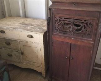 Silvertone Phonograph and Chest