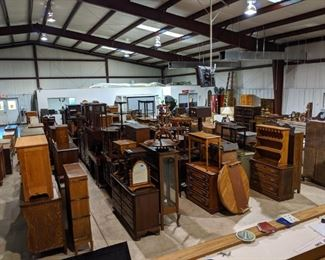 Lots of nice things for this Auction.
