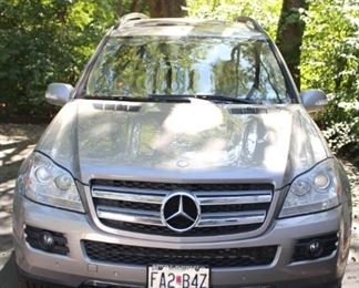If you have always wanted to own a Mercedes Benz , here is your chance!  This sweet ride is priced at $9,500.00.   2008  Mercedes Benz GL450 SUV.  123,XXX miles, 4.78 V8 w 32V and DOHC    7 speed Automatic     All wheel drive,   7,500 lb. tow cap.