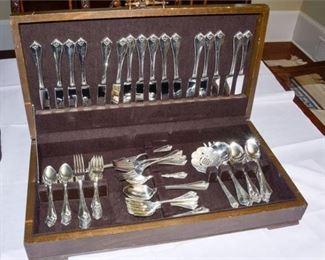 8. Oneida 1881 Rogers Silverplate Flatware Set