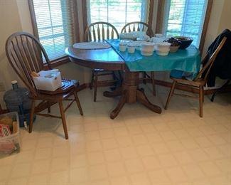 Oak table W/ 4 chairs