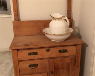 Antique water basin stand