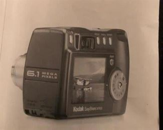 Kodak Easy Share camera and carrying case