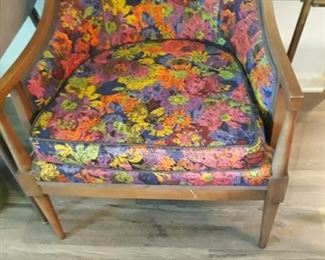 Stylish Mid Century Barrel Chair