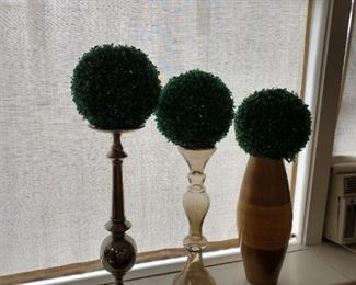 Faux topiaries on stands