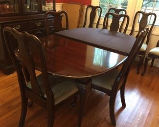 Ethan Allen Dining Table with 8 Chairs