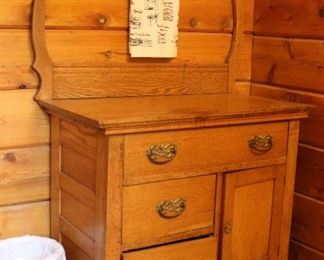washstand/dressing table