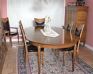Mid Century Dining Room Table with Chairs. Rugs