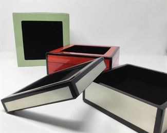 Three lacquered display boxes https://ctbids.com/#!/description/share/254948