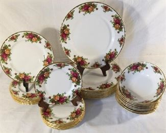 ''Old Country Roses'' Seven Place Setting by Royal Albert Fine China (32Pcs) https://ctbids.com/#!/description/share/255213