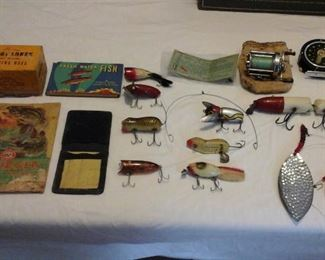 Large collection of vintage fishing lures