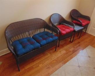2 WICKER PATIO SET