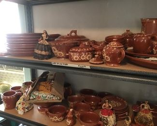 Very large set of pottery