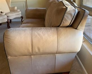 Thomasville Leather Sofa/Couch38x82x38inHxWxD
