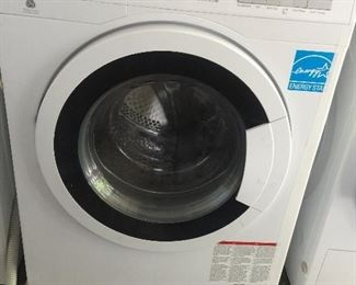 Blomberg Washer apartment size can be stacked