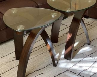 Contemporary Bentwood/Glass Triangular Accent Table #1	24x23x23in	HxWxD Contemporary Bentwood/Glass Triangular Accent Table #1	24x23x23in	HxWxD