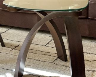 Contemporary Bentwood/Glass Triangular Accent Table #2	24x23x23in	HxWxD
