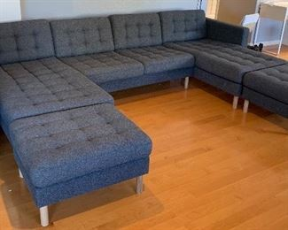 landskrona Contemporary Tufted  Fabric Sofa/Couch Chaise	30x124x60in	HxWxD