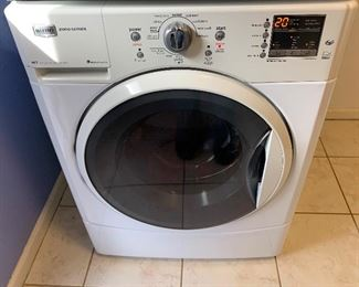 MAYTAG 2000 Series 27in 3.5cuft Front Load Washer MEDE201YW0	36x27x31in	HxWxD