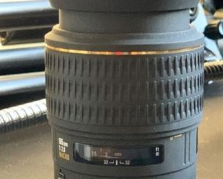 Sigma EX 105mm 2.8 macro Lens for Canon