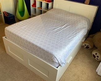 Full Bed White Frame & mattress	43x55x88in	HxWxD
