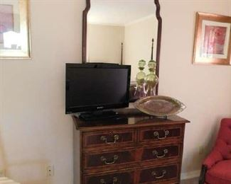 4 Drawer Chest and mirror, Flat screen tv, pottery