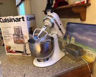 Kitchenaid Mixer / Cuisinart Food Processor