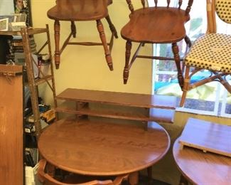 Dining Set with four chairs and leaves.