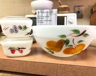 Vintage Fire King bowls.......