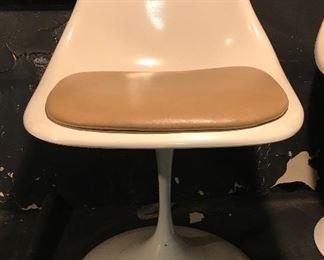 7 Saarinen Style tulip chairs
