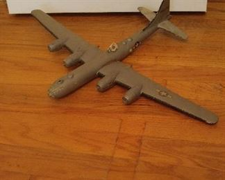 4 plane and two boat models