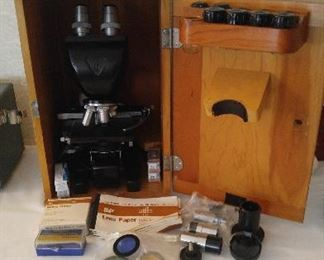 Bauch Lomb Microscope w/extra lenses in case