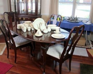 Kincaid Dining Table
