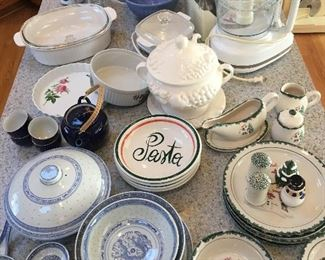 Dishes, bowls, several unique patterns and sets