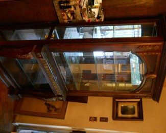 Beautiful Pulaski intricate solid wood carved china cabinet with amazing carved legs of the finest quality.PAID 2,400 NEW