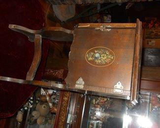 cigar and cabinett