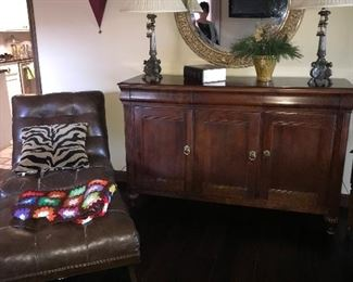 Leather lounger * lamps * buffet