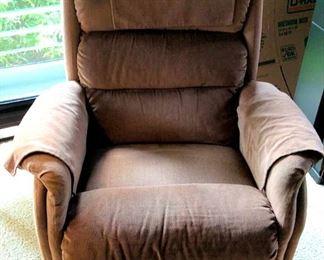 APT028 Comfy Brown Recliner