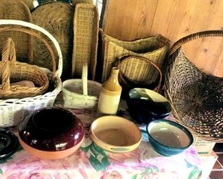 APT046 Baskets and Ceramic Bowls