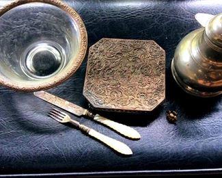 APT048 Vintage Silver Plated Treasures