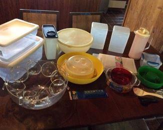 APT054 Plastic Kitchenware & Storage Containers