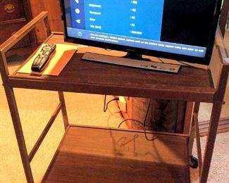 APT068 Samsung TV and Cart