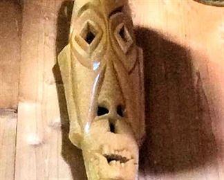 APT075 Wooden Polynesian Mask
