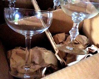 APT096 Mystery Lot of Glassware