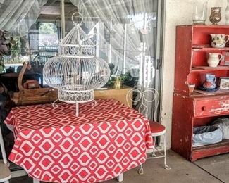 Cutest Big bird cage! Red pie chest!