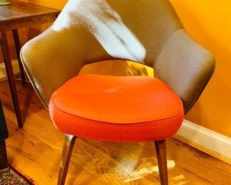 Knoll chair - Saarinen Executive chair