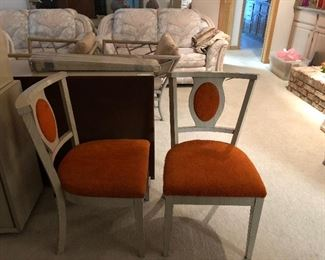 Chairs to vintage set