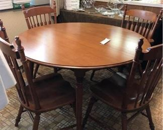 Tell City Round table+2 leaves ONLY https://ctbids.com/#!/description/share/256066