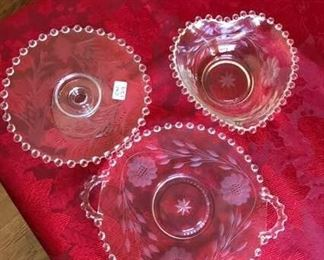 4 assorted small bowls https://ctbids.com/#!/description/share/256931